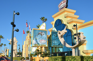 Ron Jon Surf 4151 N Atlantic Ave Cocoa Beach Fl 32931 321 799 8820 Is A Landmark And The City S Oldest