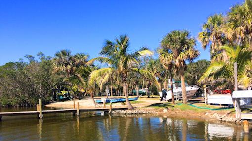 Honest Johns Fishcamp Kayaking Tour