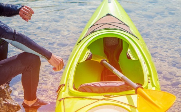 4 Tips for Kayaking in the Fall